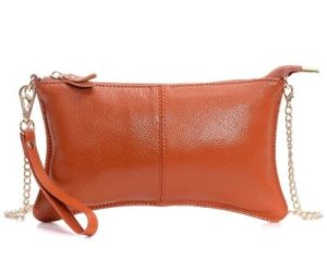 30. A wristlet that comes with a crossbody chain so you can be hands-free and happy.