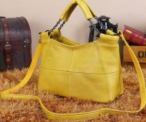7. A small purse that'll fit all your essentials without getting too heavy.