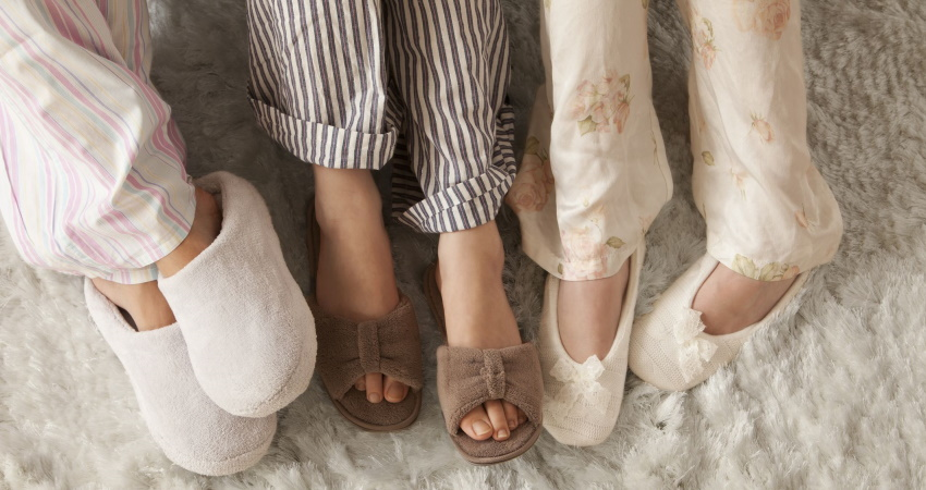 The Best Women's Slippers on Amazon, According to Hyperenthusiastic Reviewers